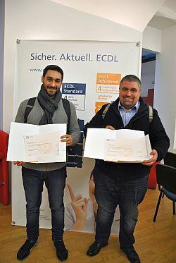 Zwei ECDL Advanced Absolventen