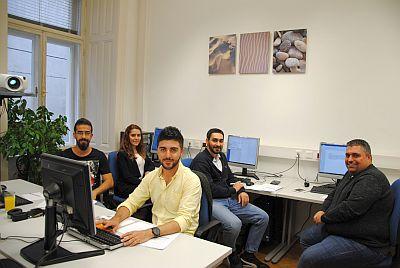 Gruppe Crossover-Kurs IT&Deutsch